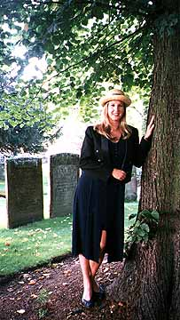 Britta in the graveyard